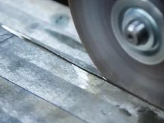 切一块不锈钢板,打造